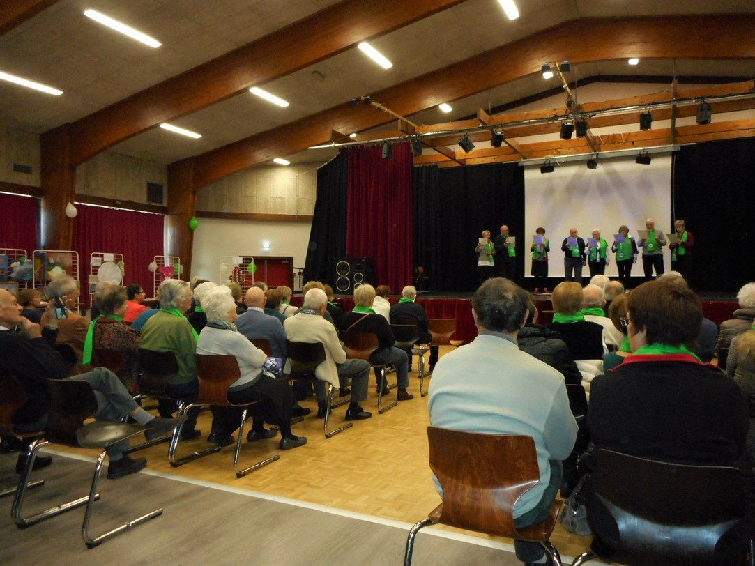 La chorale de CBN entonne le premier chant (26 novembre 2017)