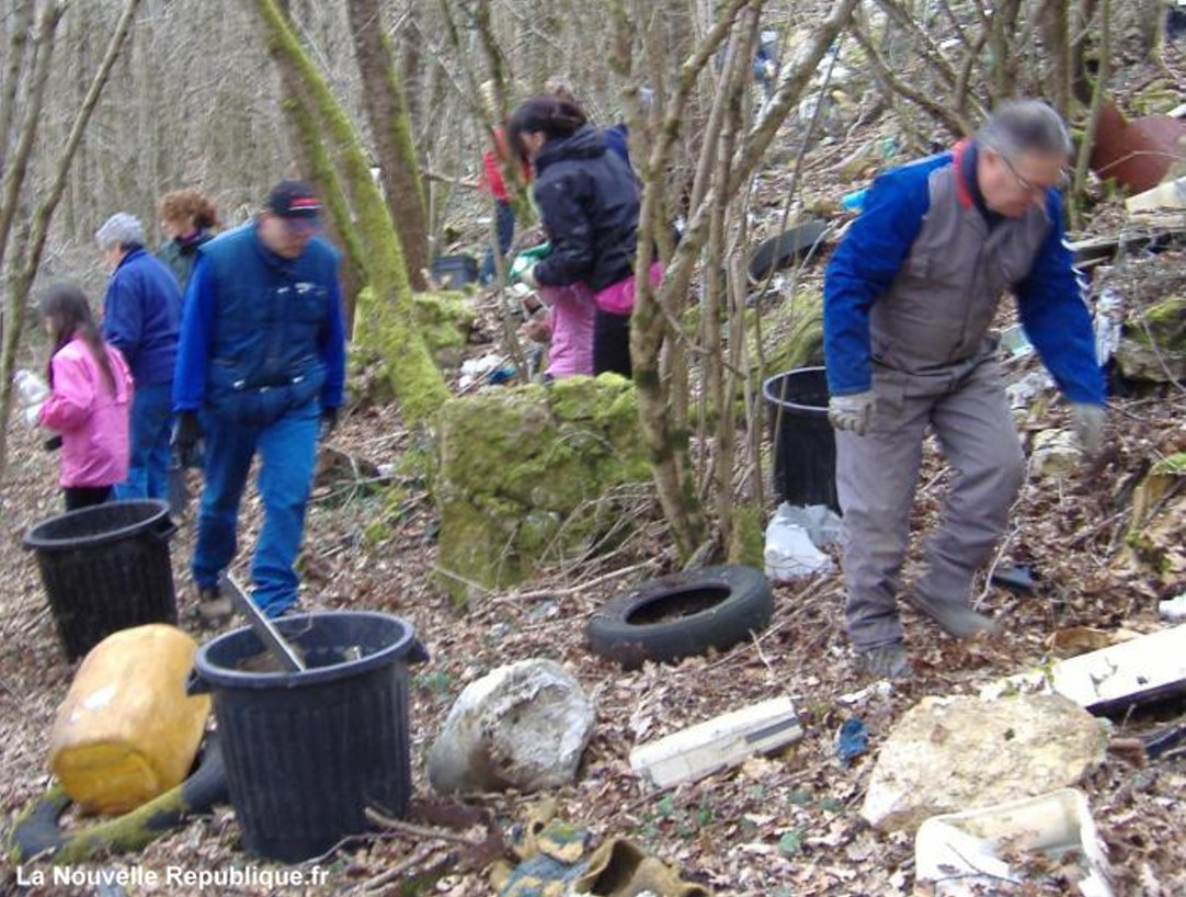 Nettoyage de printemps par les associations