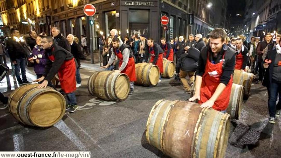 Le beaulolais 2015 dans les rues de Lyon (Ouest france)