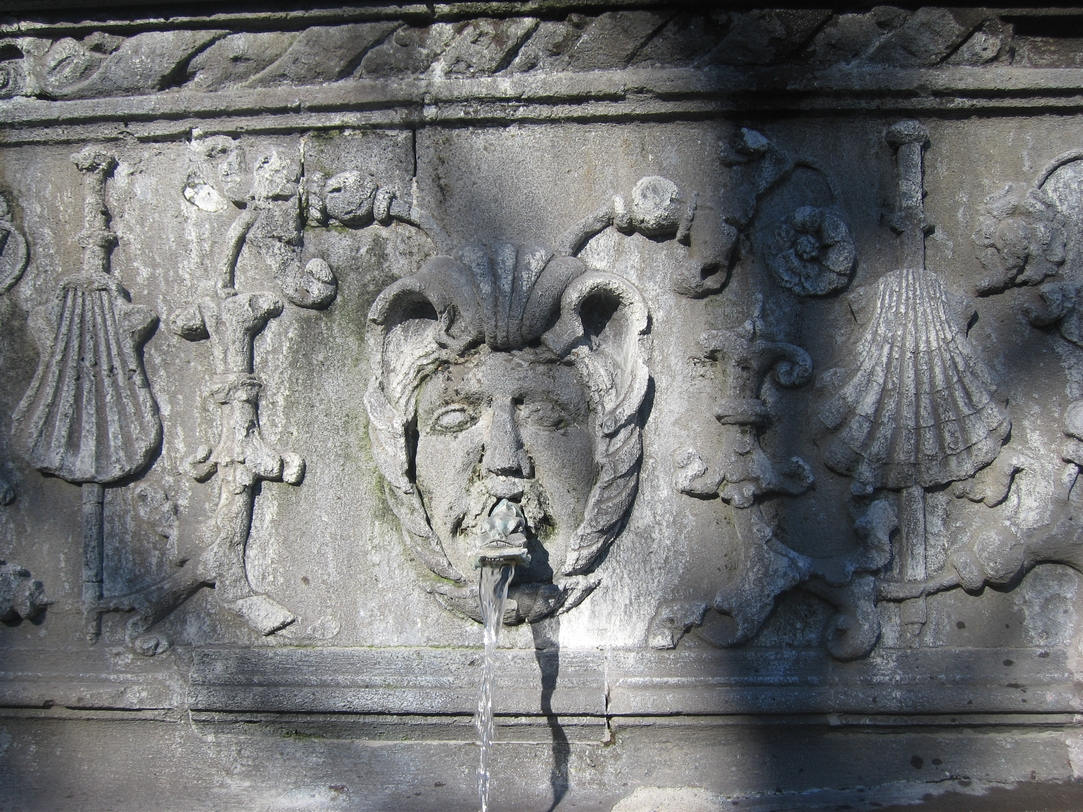 aegipan : fontaine d'Amboise, place de la Poterne, Clermont